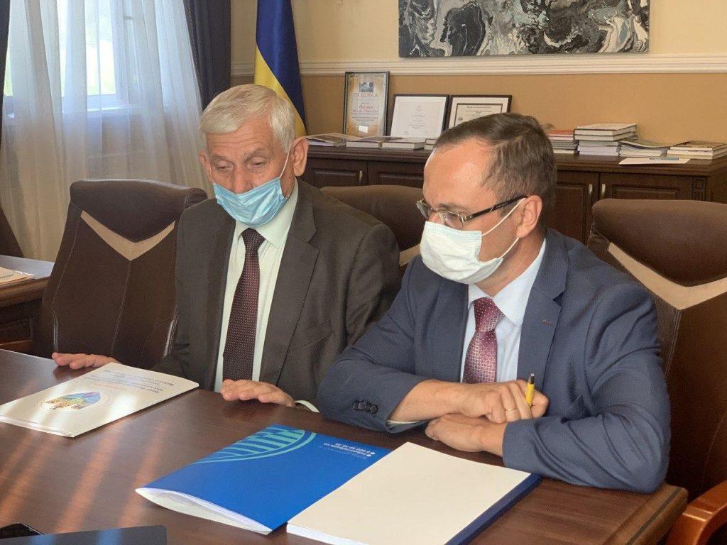 Співпрацюємо із Івано-Франківським національним технічним університетом нафти і газу